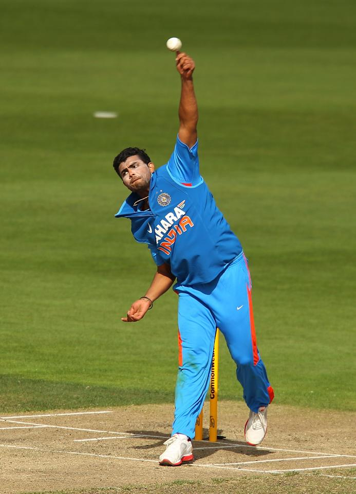HOBART, AUSTRALIA - FEBRUARY 28:  Ravindra Jadeja of India bowls during the One Day International match between India and Sri Lanka at Bellerive Oval on February 28, 2012 in Hobart, Australia.  (Photo by Scott Barbour/Getty Images)