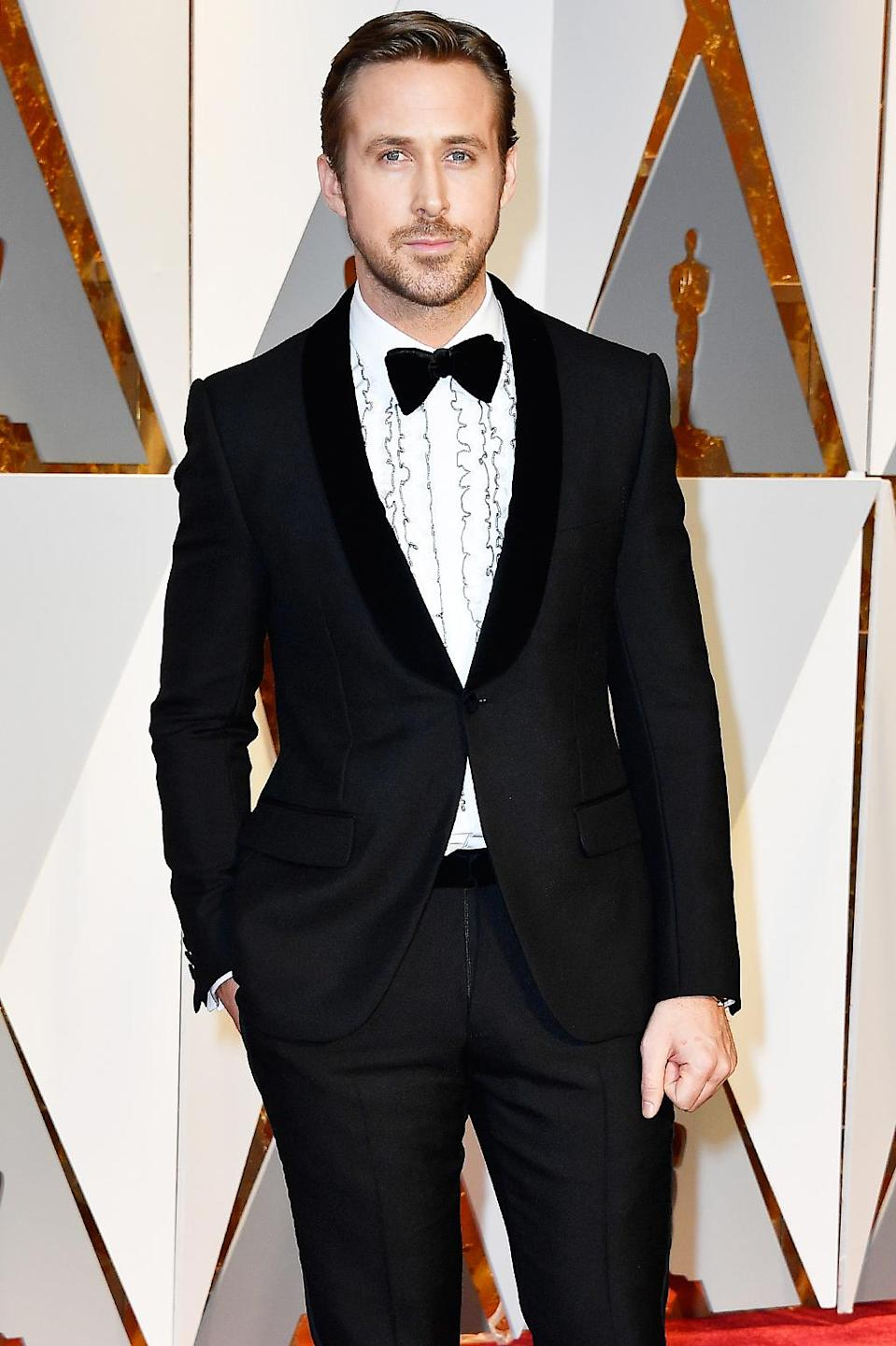 """<p>Ryan Gosling attends the 89th Annual Academy Awards on Feb. 26, 2017. (Photo by Frazer Harrison/Getty Images)<br><br><a href=""""https://www.yahoo.com/style/oscars-2017-vote-for-the-best-and-worst-dressed-225105125.html"""" data-ylk=""""slk:Go here to vote for best and worst dressed.;outcm:mb_qualified_link;_E:mb_qualified_link;ct:story;"""" class=""""link rapid-noclick-resp yahoo-link"""">Go here to vote for best and worst dressed.</a> </p>"""