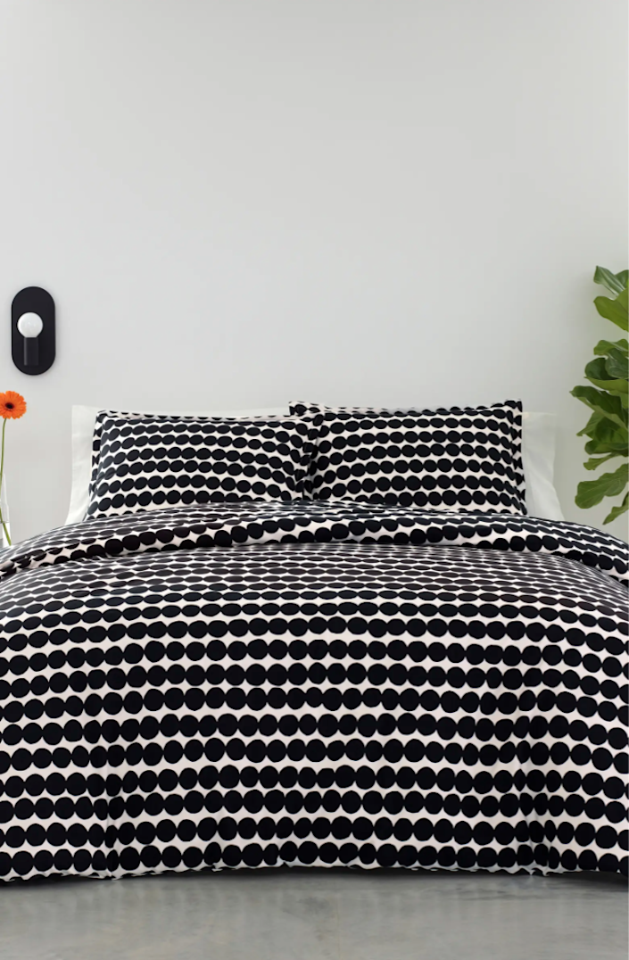 "<h3><strong>Nordstrom</strong></h3><br><br><strong>Best For: Brand-Name Bedding & Bath Essentials<br></strong>From store and site exclusive to big-name brands, Nordstrom boasts more than fashion to beauty essentials. The all-encompassing site holds a well-stocked lineup of home goods in a wide range of prices and styles — whether you're hunting for premium bedding by <a href=""https://www.nordstrom.com/brands/marimekko--5541"" rel=""nofollow noopener"" target=""_blank"" data-ylk=""slk:Marimekko"" class=""link rapid-noclick-resp"">Marimekko</a>, chic kitchenware by <a href=""https://shop.nordstrom.com/brands/anthropologie--17821/home"" rel=""nofollow noopener"" target=""_blank"" data-ylk=""slk:Anthropologie"" class=""link rapid-noclick-resp"">Anthropologie</a>, or affordable-stylish decor by <a href=""https://shop.nordstrom.com/brands/nordstrom-at-home--3767/home"" rel=""nofollow noopener"" target=""_blank"" data-ylk=""slk:Nordstrom at Home"" class=""link rapid-noclick-resp"">Nordstrom at Home</a>.<br><br><strong><em><a href=""https://shop.nordstrom.com/content/bed-bath-home-decor"" rel=""nofollow noopener"" target=""_blank"" data-ylk=""slk:Shop Nordstrom"" class=""link rapid-noclick-resp"">Shop Nordstrom</a></em></strong><br><br><strong>Marimekko</strong> Rasymatto Duvet Cover & Sham Set, $, available at <a href=""https://go.skimresources.com/?id=30283X879131&url=https%3A%2F%2Fwww.nordstrom.com%2Fs%2Fmarimekko-rasymatto-duvet-cover-sham-set%2F5667438"" rel=""nofollow noopener"" target=""_blank"" data-ylk=""slk:Nordstrom"" class=""link rapid-noclick-resp"">Nordstrom</a>"