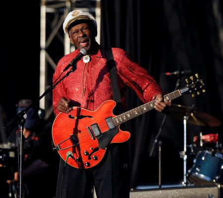 FILE PHOTO - Chuck Berry performs at Virgin Mobile Festival in Baltimore, Maryland August 9, 2008. REUTERS/Bill Auth/File Photo