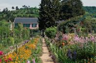 "<p>If your mom's an avid gardener, call her up and invite her to ""join"" you on a virtual tour of some of the world's most stunning gardens, including <a href=""https://www.youtube.com/watch?v=rjWx2WNXFF4"" rel=""nofollow noopener"" target=""_blank"" data-ylk=""slk:Claude Monet's garden"" class=""link rapid-noclick-resp"">Claude Monet's garden</a> in Giverny, Normandy, England's famed <a href=""https://www.youtube.com/watch?v=ioG_Vfh0Kxw&feature=emb_logo"" rel=""nofollow noopener"" target=""_blank"" data-ylk=""slk:Kew Garden"" class=""link rapid-noclick-resp"">Kew Garden</a>, and the <a href=""https://www.youtube.com/watch?v=SNgj9agkbB0&feature=emb_title"" rel=""nofollow noopener"" target=""_blank"" data-ylk=""slk:Keukenhof"" class=""link rapid-noclick-resp"">Keukenhof</a> in Amsterdam (50,000 tulips!). You could even follow up your tours by planting sweet containers of her favorite blooms. <br></p><p><strong><a href=""https://www.countryliving.com/shopping/gifts/g1055/gardening-gift-ideas/"" rel=""nofollow noopener"" target=""_blank"" data-ylk=""slk:Shop genius gardening accessories Mom needs"" class=""link rapid-noclick-resp"">Shop genius gardening accessories Mom needs</a>.</strong></p>"