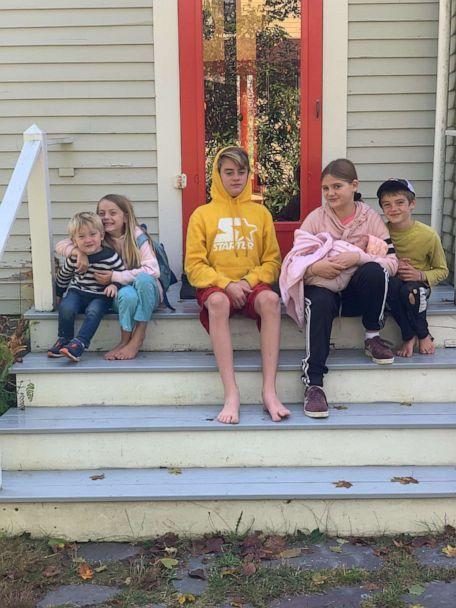 PHOTO: Erin Fernald Gray and Aaron Gray welcomed a daughter named Azalea Belle Gray, at their home in Islesford, Maine, in September. Here, Azala is photographed with her siblings, River, Zinnia, Briggs, Pheobe and Quinn. (Erin Fernald Gray)