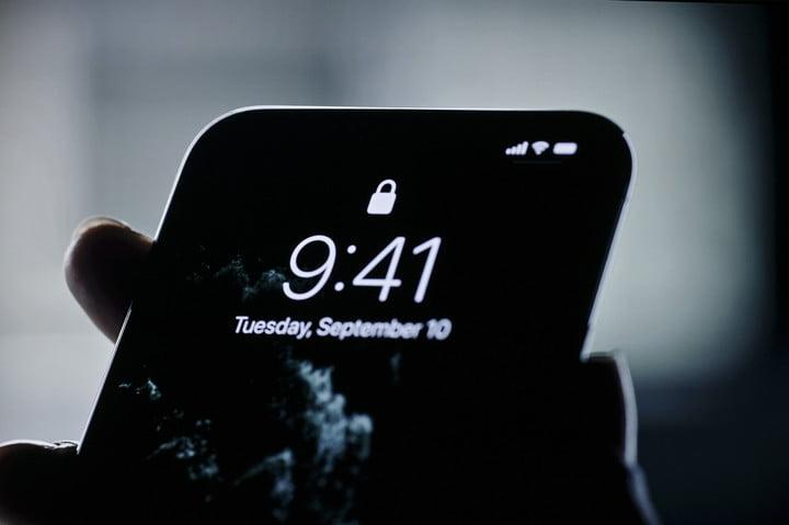 Apple iPhone 11 Pro and Pro Max blurry hero shot | Apple September 2019 Event Keynote