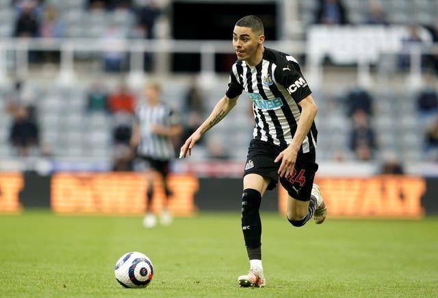 Miguel Almiron in action for Newcastle