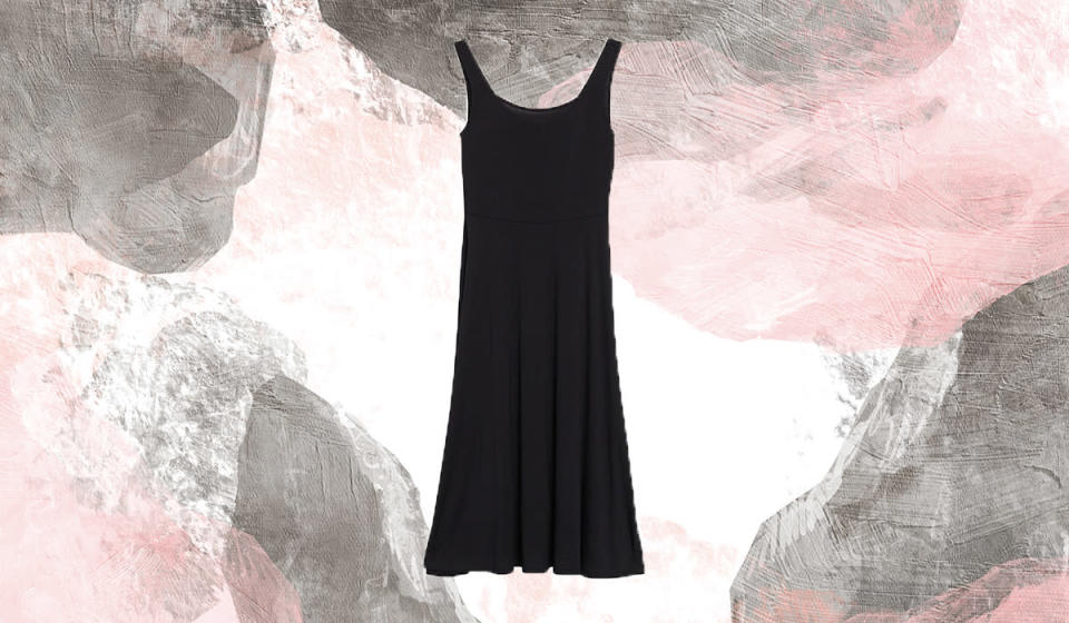 This fit-and-flare dress creates the illusion of an hourglass shape. (Photo: Nordstrom Rack)