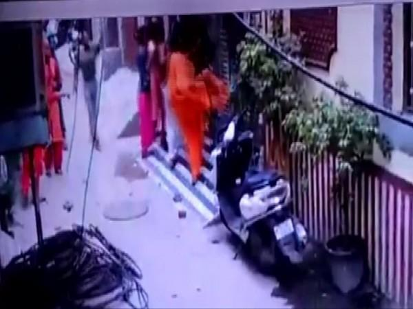 Visuals of the incident from CCTV footage.