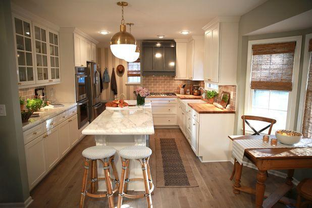 "<p>After <a href=""https://www.housebeautiful.com/room-decorating/kitchens/g2025/nate-berkus-kitchen-makeover/?thumbnails="" rel=""nofollow noopener"" target=""_blank"" data-ylk=""slk:Nate Berkus"" class=""link rapid-noclick-resp"">Nate Berkus</a> came to the rescue, their cooking space was outfitted in marble counters, brass fittings and gray wood flooring, making it totally unrecognizable.</p>"
