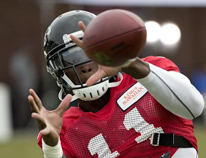 Julio Jones, back in the game. With better feet, we hope. (AP Photo/John Bazemore)