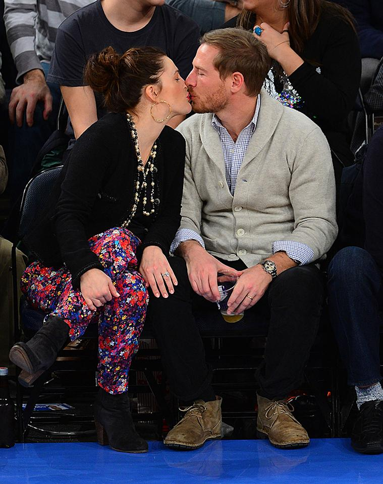NEW YORK, NY - JANUARY 11:  Drew Barrymore and Will Kopelman attend the Chicago Bulls vs New York Knicks game at Madison Square Garden on January 11, 2013 in New York City.  (Photo by James Devaney/FilmMagic)