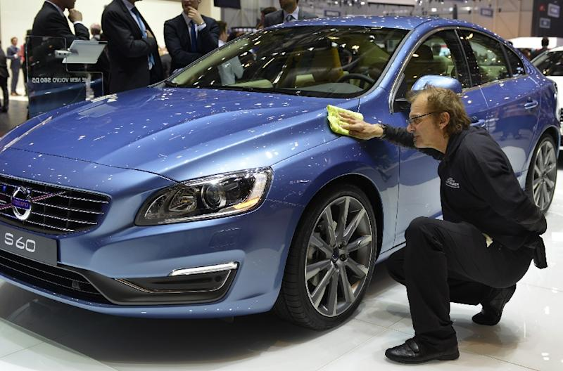 Swedish automaker Volvo, owned by a Chinese automotive group, will begin producing the next generation of S60 mid-size sedans in the US in 2018 (AFP Photo/Sebastien Feval)