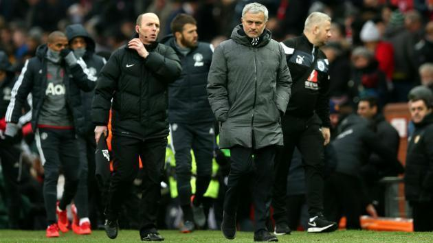 <p>Old Trafford is not like Portsmouth - Mourinho has a pop at 'quiet' United fans</p>