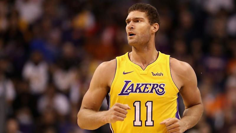 Bucks Agree To Sign Brook Lopez To One-Year, $3.4M Deal