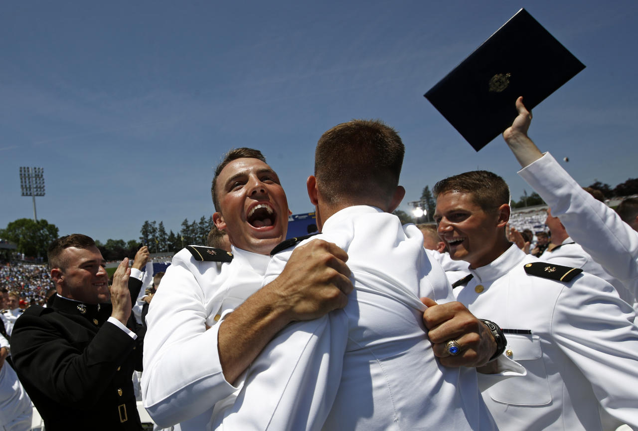 <p>Graduating members of the U.S. Naval Academy celebrate at the end of the Academy's graduation and commissioning ceremony, Friday, May 25, 2018, in Annapolis, Md. (Photo: Patrick Semansky/AP) </p>