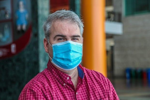 River ward Coun. Riley Brockington is offering to drive residents to the vaccine clinic.   (Stu Mills/CBC - image credit)