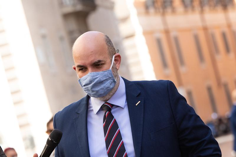 ROME, ITALY - 2020/05/20: Vito Crimi, political leader of the M5S (5 Star Movement), wearing a face mask as a preventive measure speaks to the media at the Senate to discuss and vote on the motion of no confidence against the Minister of Justice Alfonso Bonafede. (Photo by Cosimo Martemucci/SOPA Images/LightRocket via Getty Images) (Photo: SOPA Images via Getty Images)
