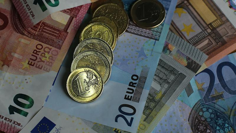 Foreign currency provider offers 'virus-free cash'