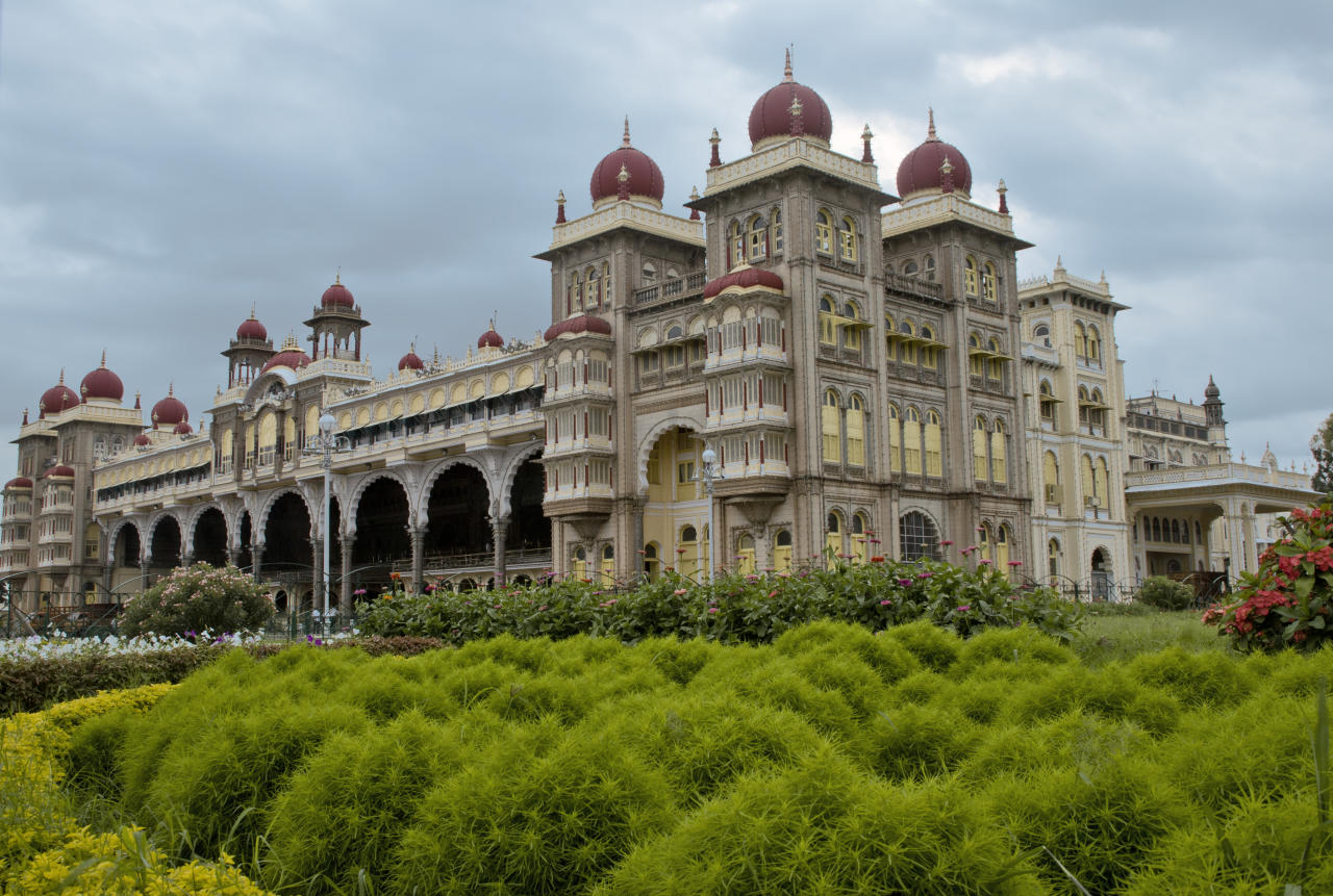 The palace is in the centre of Mysore, and faces the Chamundi Hills eastward.
