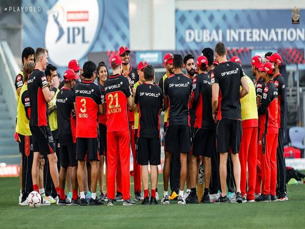 Royal Challengers Bangalore players form a huddle during training. (Photo/ RCB Twitter)