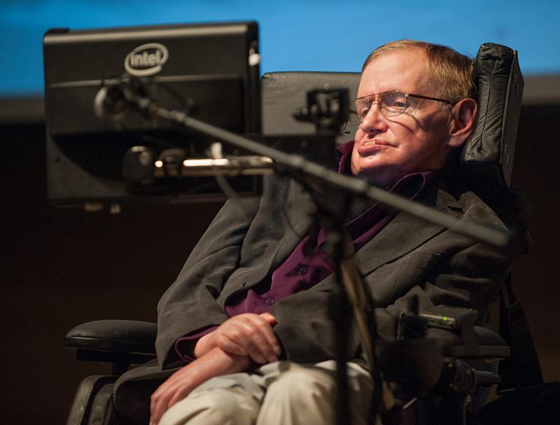 Physicist Stephen Hawking visits LA stem cell lab