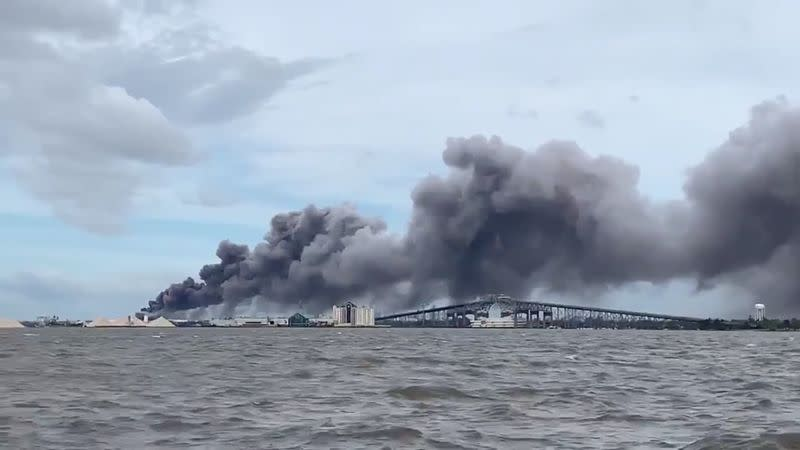 Fire erupts at hurricane-hit Louisiana chemical plant