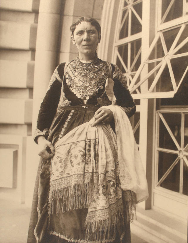 <p>Greek woman, 1909. (Photograph by Augustus Sherman/New York Public Library) </p>
