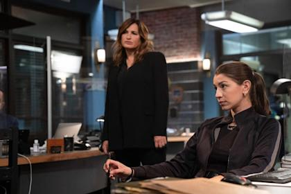 law-and-order-season-22-premiere-no-chris-meloni-warren-leight-interview