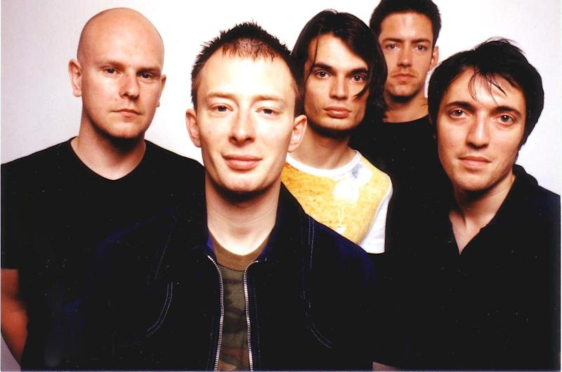Radiohead in 1997. (Jim Steinfeldt via Getty Images)