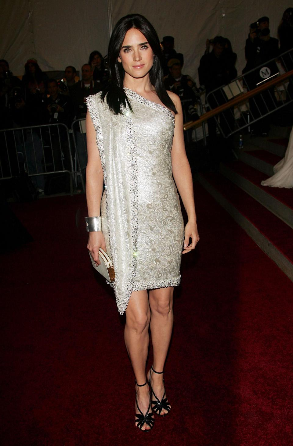 """<h1 class=""""title"""">Jennifer Connelly in Balenciaga, 2007</h1><cite class=""""credit"""">Photo: Getty Images</cite>"""