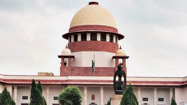In an unprecedented move, four senior-most Supreme Court judges addressed a press conference in New Delhi on judicial corruption and appointments.