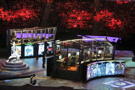 CDEC Gaming and Evil Geniuses compete in the Grand Finals of The International Dota 2 Championships at Key Arena in Seattle, Washington August 8, 2015. REUTERS/Jason Redmond