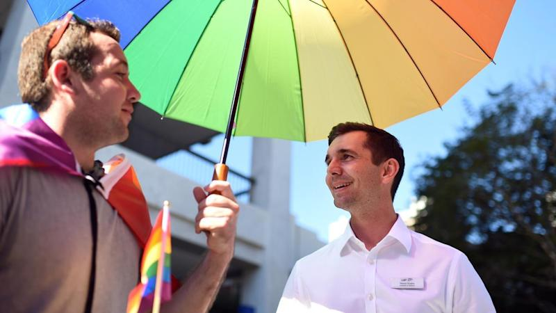 Federal MP Trevor Evans says the issue of same-sex marriage should be resolved by a free vote.