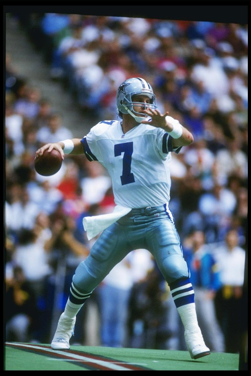 28 Nov 1991: Quarterback Steve Beuerlein of the Dallas Cowboys looks to pass the ball during a game against the Pittsburgh Steelers at Texas Stadium in Irving, Texas. The Cowboys won the game, 20-10. Mandatory Credit: Joe Patronite /Allsport