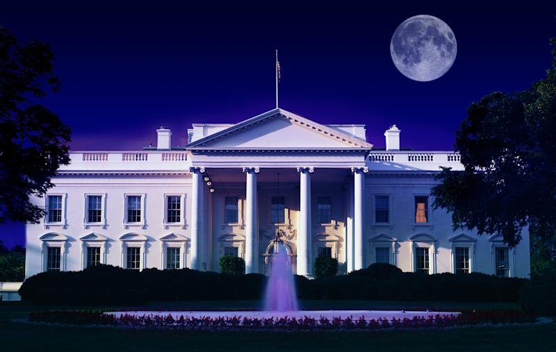 President Donald Trump received a full-moon salute as his motorcade passed through Washington, D.C. on Thursday evening. (Visions of America via Getty Images)