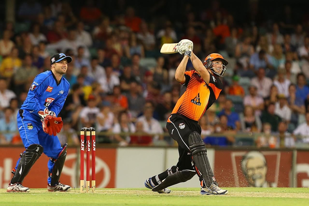 PERTH, AUSTRALIA - DECEMBER 09:  Shaun Marsh of the Scorchers hits out during the Big Bash League match between the Perth Scorchers and Adelaide Strikers at WACA on December 9, 2012 in Perth, Australia.  (Photo by Paul Kane/Getty Images)