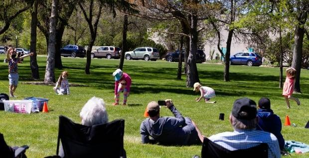 FadaDance capitalized on the lifting of COVID-19 restrictions in Saskatchewan on Sunday and had those in the eight and under age group participate in their final class outside. (Bryan Eneas/CBC - image credit)