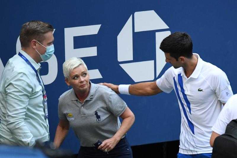 Djokovic disqualified from U.S. Open after striking line judge with ball