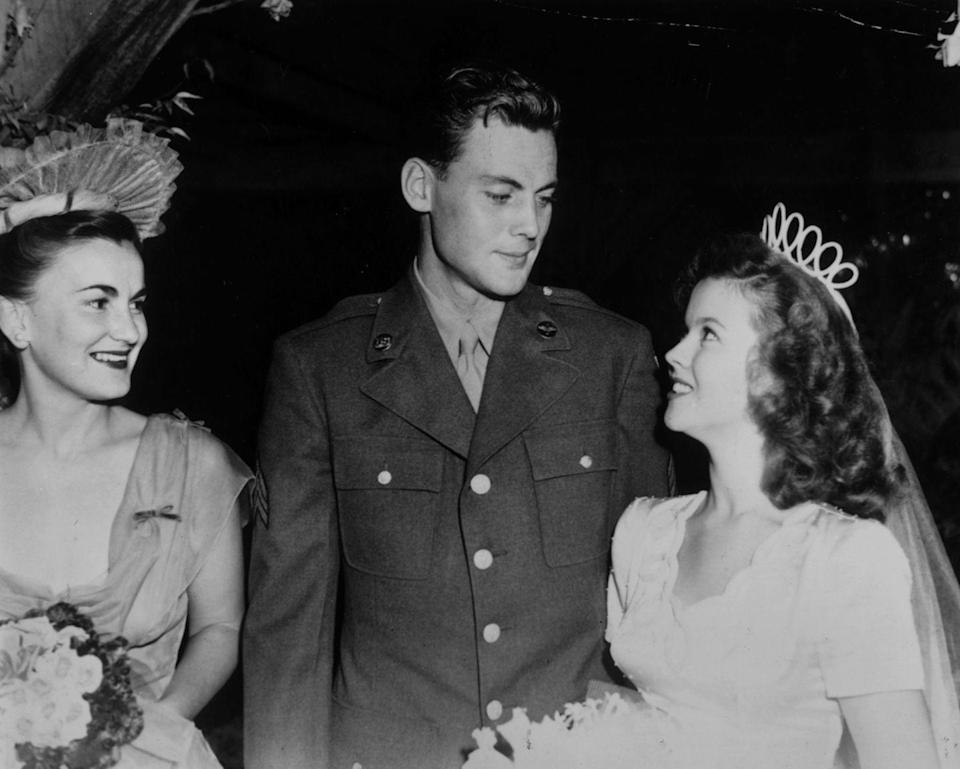 <p>17-year-old Temple on her wedding day. Her husband John Agar Jr. was an aviation engineer in the army. </p>