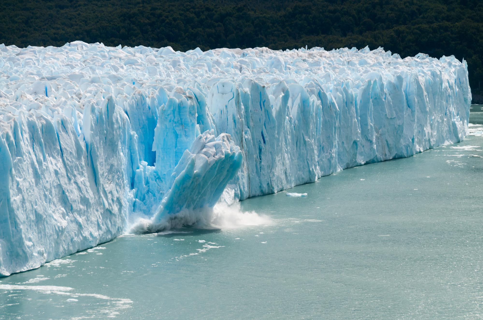 Earth's ice 'is melting 57�ster' than 30 years ago (and 28 trillion tons have already gone) - Yahoo India News
