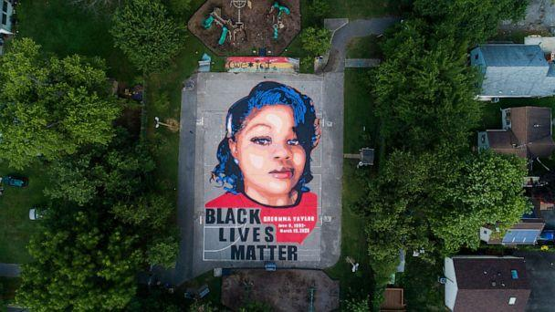 PHOTO: An image shows a mural of Breonna Taylor, who was killed in her own apartment by Louisville, Kentucky police officers, on two basketball courts in Annapolis, Maryland, July 8, 2020. (JIM LO SCALZO/EPA via Shutterstock)