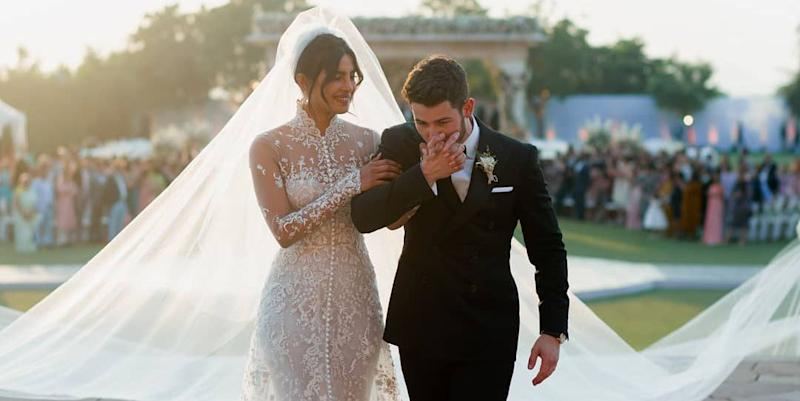 Priyanka Chopra S Wedding Veil Was 60 Feet Longer Than Meghan Markle S