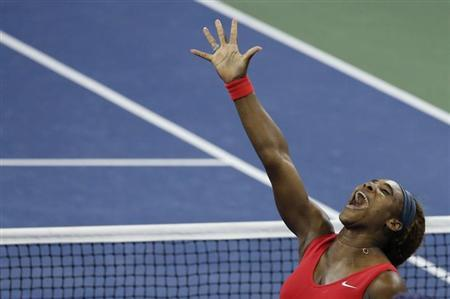 Serena Williams of the U.S. celebrates after defeating Victoria Azarenka of Belarus in their women's singles final match at the U.S. Open tennis championships in New York September 8, 2013. REUTERS/Ray Stubblebine