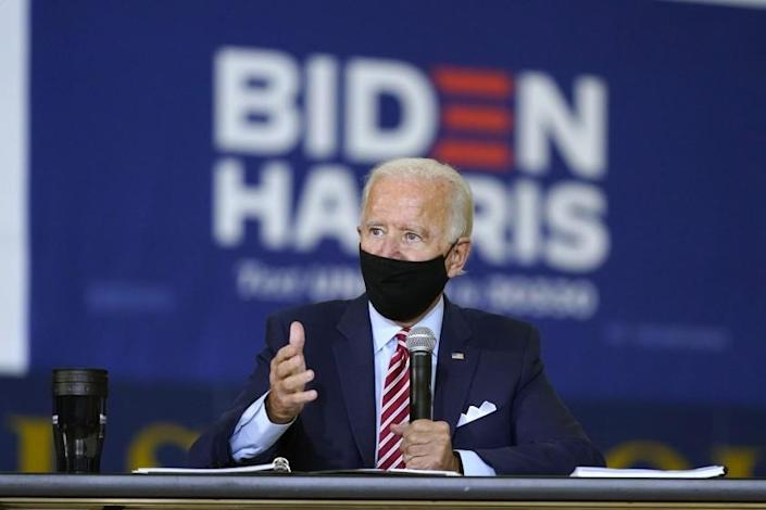 "Democratic presidential candidate Joe Biden speaks during a roundtable discussion with veterans in Tampa, Fla. <span class=""copyright"">(Patrick Semansky / Associated Press)</span>"