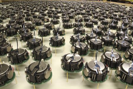 The Kilobots, a swarm of 1,000 simple but collaborative robots are pictured in this undated handout photo obtained by Reuters August 14, 2014. REUTERS/Mike Rubenstein and Science/AAAS/Handout via Reuters