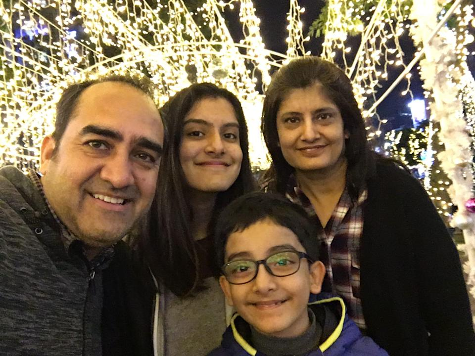 <p>Saloni and her family. (Photo courtesy of Saloni Meghnani)</p>