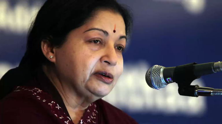 SC dismisses Karnataka government's plea to declare Jayalalithaa a convict in DA case