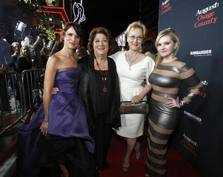 """Lewis, Martindale, Streep and Breslin pose at the premiere of """"August: Osage County"""" in Los Angeles"""