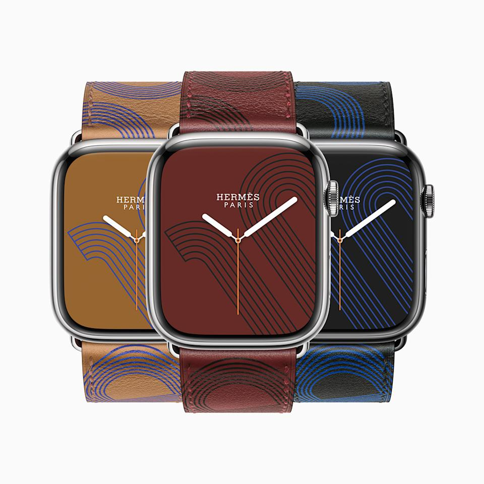 Apple Watch Hermès introduces the Circuit H, a bold graphic representation of a signature anchor chain design, printed in Swift leather with a complementary watch face. (PHOTO: Apple)