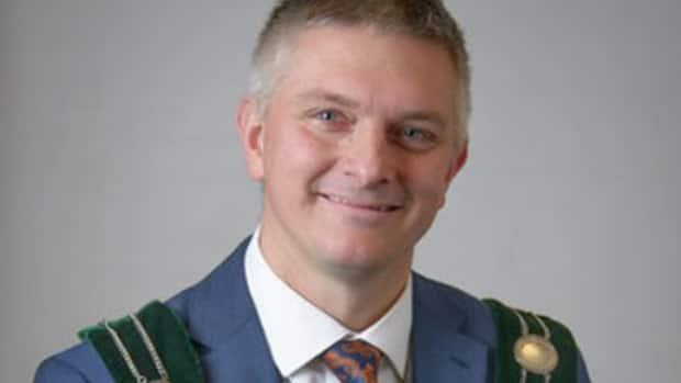 Dave Bylsma, mayor of the Niagara Region township of West Lincoln, asked Emily Spanton on Facebook if being vaccinated for COVID-19 impacted her menstrual period. Spanton says the question is invasive, and Niagara's regional chair Jim Bradley agrees. (Township of West Lincoln - image credit)