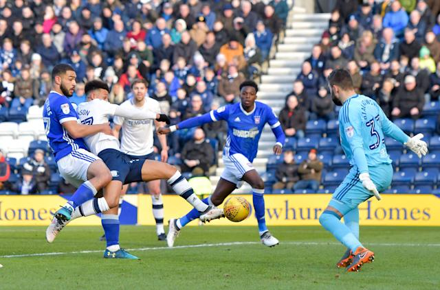 """Soccer Football - Championship - Preston North End vs Ipswich Town - Deepdale, Preston, Britain - February 24, 2018 PrestonÕs Callum Robinson shoots at goal Action Images/Paul Burrows EDITORIAL USE ONLY. No use with unauthorized audio, video, data, fixture lists, club/league logos or """"live"""" services. Online in-match use limited to 75 images, no video emulation. No use in betting, games or single club/league/player publications. Please contact your account representative for further details."""