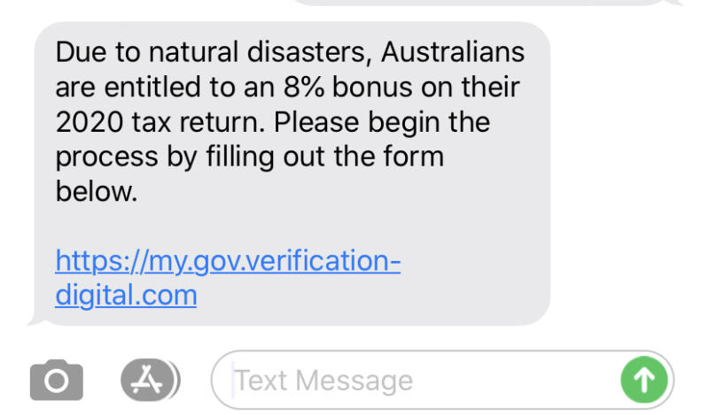 An SMS message pretending to be the ATO offering a 8% bonus on tax refunds.